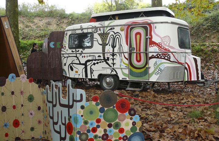 Tombs Creatius<br>Puck Cinema Caravana<br>28 May, 40ans École La Bressola, Perpignan, Francia